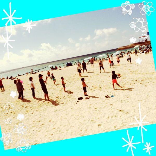 砂浜でドッジボール